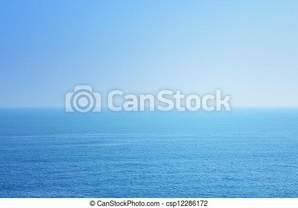 Mar azul y cielo - csp12286172