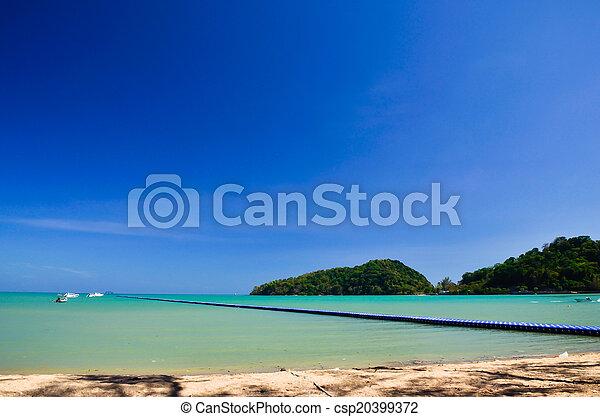 Mar azul y cielo - csp20399372