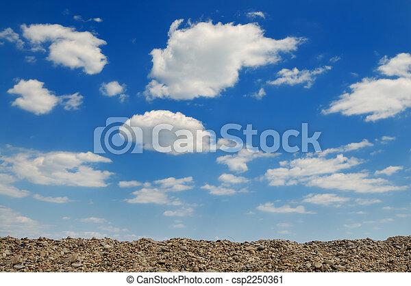cielo azul, nublado - csp2250361
