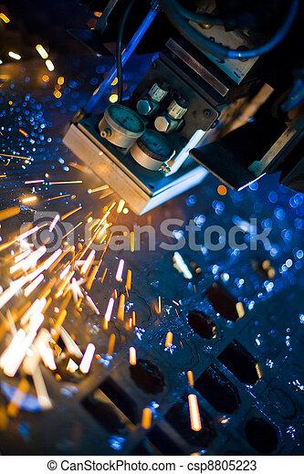 Laser cortando de cerca - csp8805223