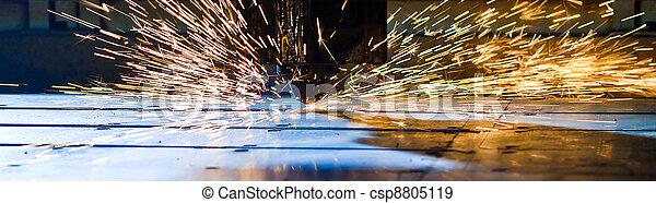 Laser cortando de cerca - csp8805119
