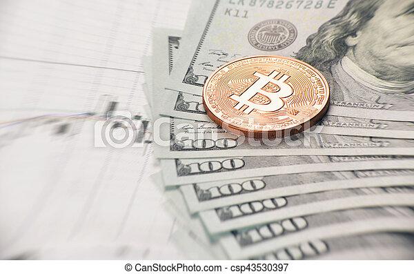 Cerca de la moneda bitcoin - csp43530397
