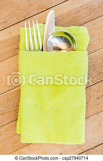 Cerca de cubiertos sobre la mesa - csp27940714