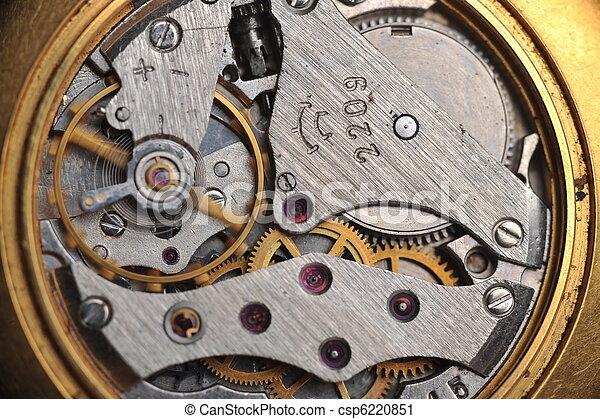 Los viejos engranajes de reloj se cierran - csp6220851