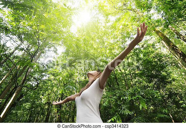 cieszący się, natura - csp3414323