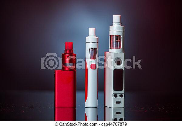 cigaretta, elektronikus - csp44707879