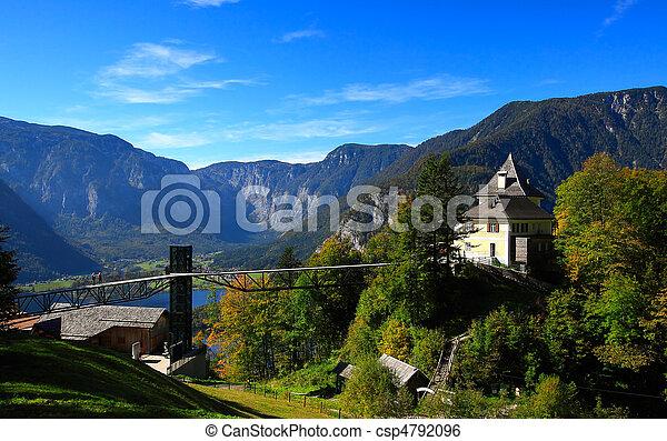 Un restaurante en la cima de la colina - csp4792096