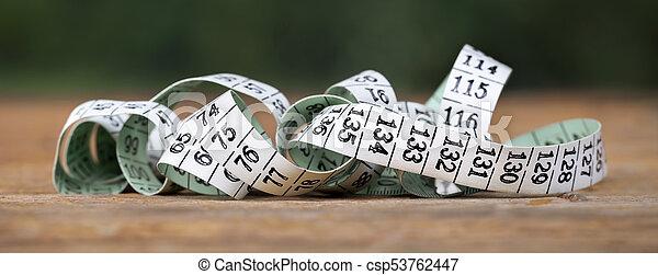 Medida de cinta con números - csp53762447