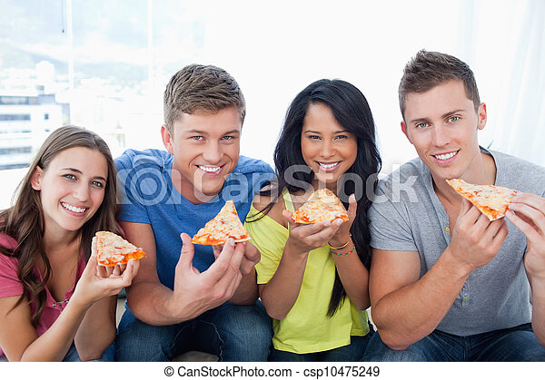 circa, sguardo, loro, macchina fotografica, essi, amici, mangiare, pizza - csp10475249