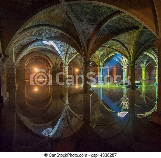 Cistern portugués en el jadida, Morocco - csp14338287