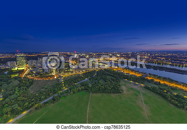 cityscape, ciudad, austria, aéreo, vista., viena, noche - csp78635125