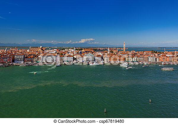 Venecia Cityscape - Italia - csp67819480