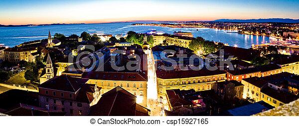 Ciudad adriática del panorama aéreo de Zadar - csp15927165
