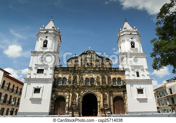 Catedral de América Central de Panamá en Plaza Mayor casco antig - csp25714038