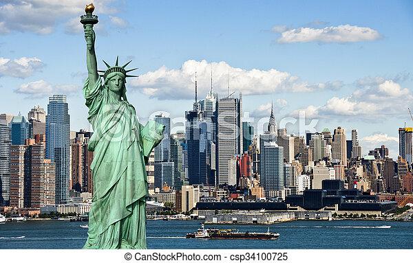 El concepto de turismo en Nueva York con la libertad de estatua - csp34100725