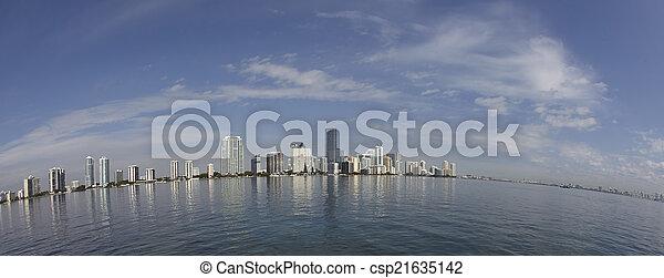 Miami City Skyline Fisheye vista del panorama del día - csp21635142