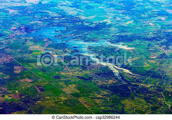 Vista aérea de la ciudad - csp32986244
