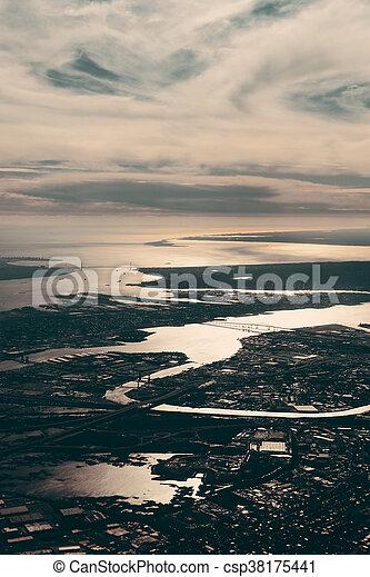Vista aérea de la ciudad - csp38175441