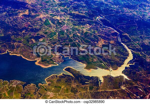 Vista aérea de la ciudad - csp32985890
