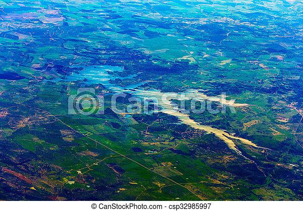 Vista aérea de la ciudad - csp32985997