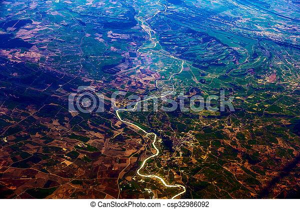 Vista aérea de la ciudad - csp32986092