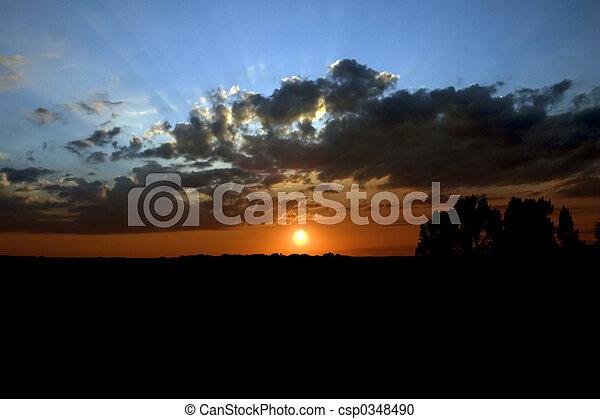 clair, coucher soleil - csp0348490