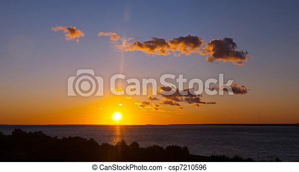 clair, coucher soleil - csp7210596
