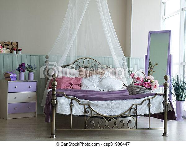 https://comps.canstockphoto.nl/classieke-licht-bed-groot-stockfoto_csp31906447.jpg