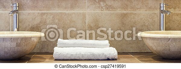 Clean folded towels - csp27419591