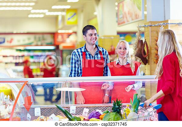 cliente, tienda de comestibles, cortés, sirve, alameda, personal - csp32371745
