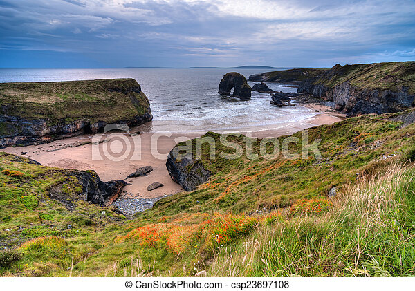 Cliff over Atlantic Ocean - csp23697108
