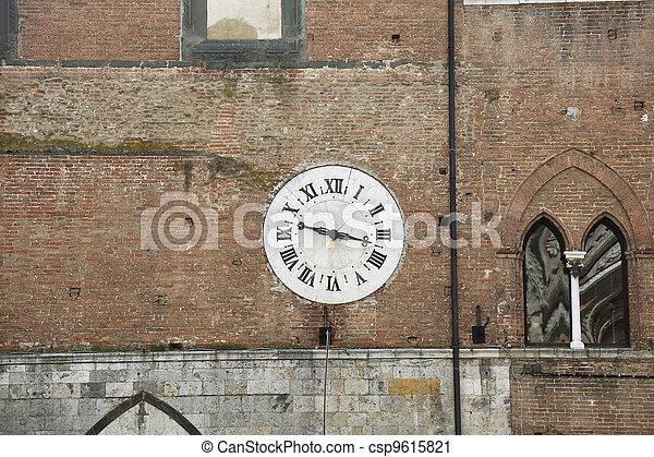 Clock Santa Maria Della Scala Siena - csp9615821