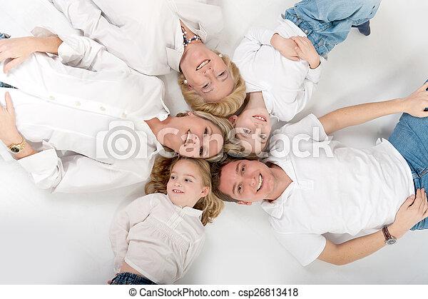 Close family - csp26813418