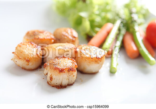 close up of pan seared sea scallops - csp15964099