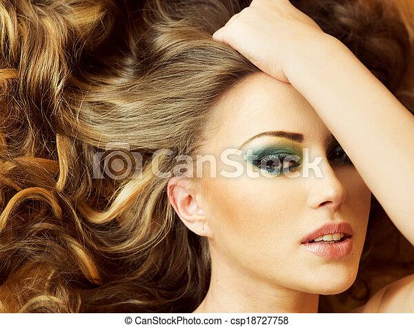 closeup, retrato, lady., morena - csp18727758