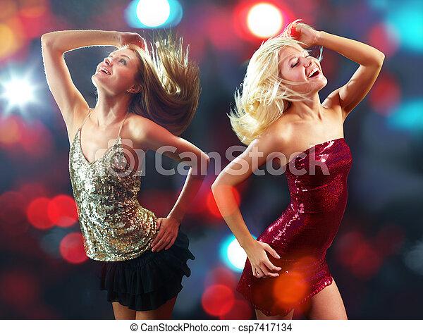 clubbers, tanzen - csp7417134