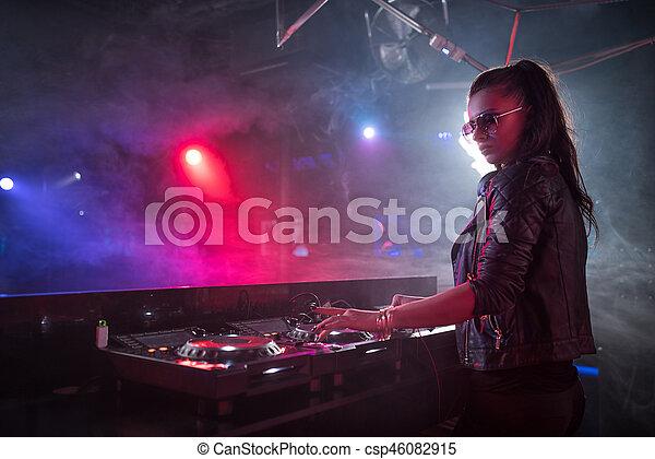 Clubbing - csp46082915