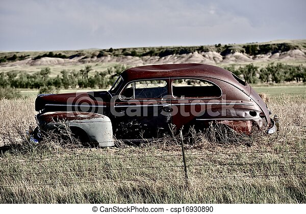 Clunker on Prairie - csp16930890