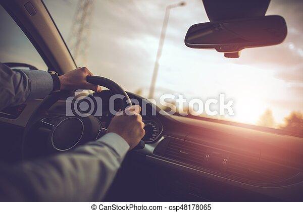 Un coche de negocios viajando - csp48178065