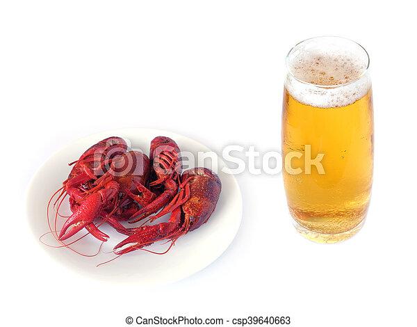 Un cangrejo cocinado aislado en blanco - csp39640663