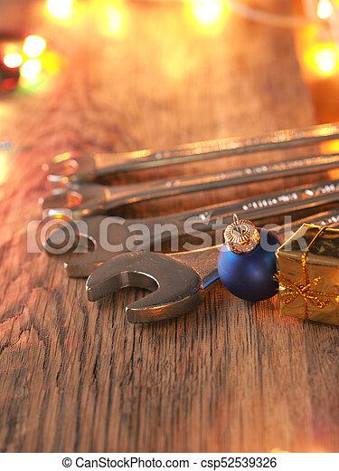 El servicio de Navidad o las herramientas coinciden - csp52539326