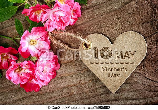 coeur, mères, mai, formé, roses, 10ème, jour, carte - csp25985882