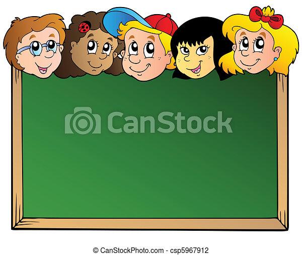 Junta escolar con caras de niños - csp5967912