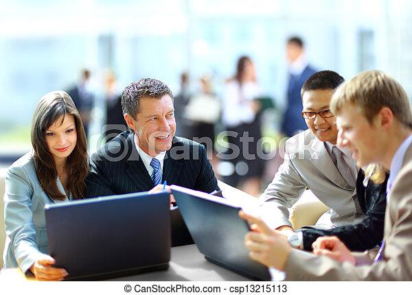 collègues, sien, réunion affaires, travail, -, directeur, discuter - csp13215113