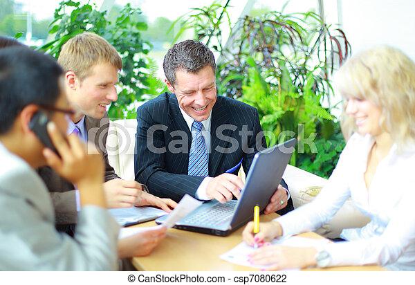 collègues, sien, réunion affaires, travail, -, directeur, discuter - csp7080622