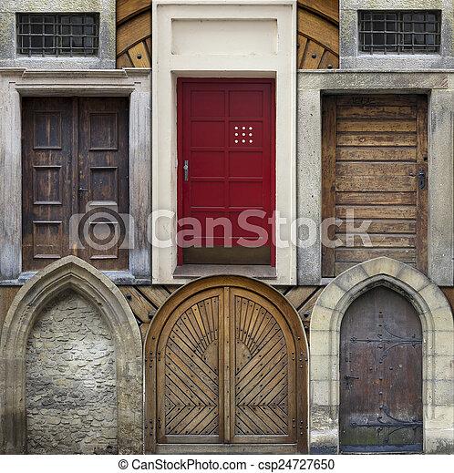 Collage abstracto de puertas antiguas - csp24727650
