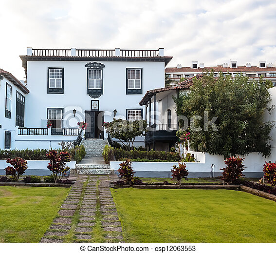 Colonial house - csp12063553