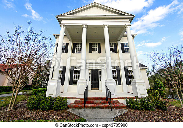 Colonial House - csp43705900