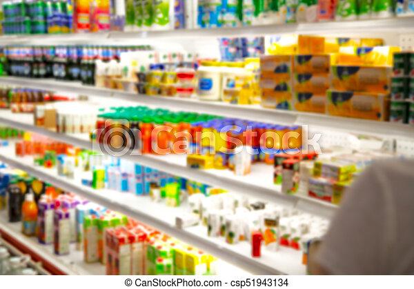 Lleno de colores borrosos en el supermercado - csp51943134