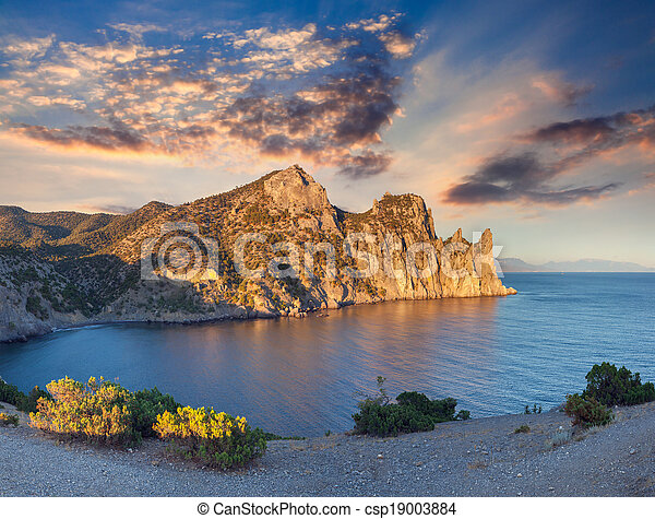 Colorful summer sunrise on the sea. - csp19003884